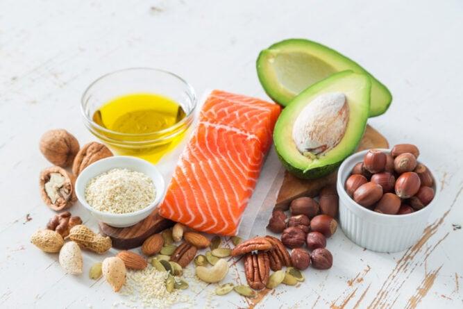 Zdrowe tłuszcze - produkty bogate w tłuszcze nienasycone.